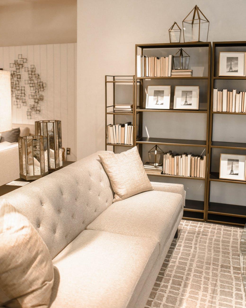 9 Unique ideas for your book shelves